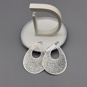 Teardrop cutout earrings